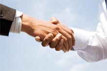握手しているイメージ
