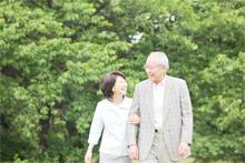 仲のいい老夫婦のイメージ